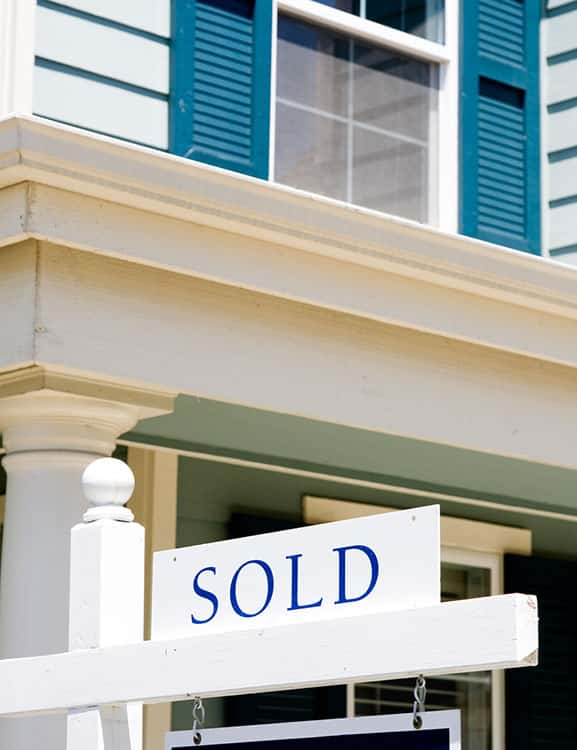 Sold sign in front of vacation home for sale in Orlando