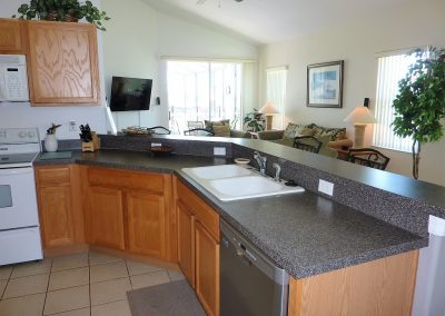 Kitchen - 1015 Corvina Dr