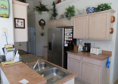 1705 Lake Vista Ct - Kitchen