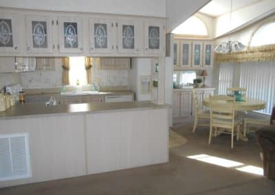 ORO #760 - Kitchen and Dining Area