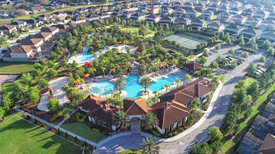 Ariel view of Soltera pool and lazy river